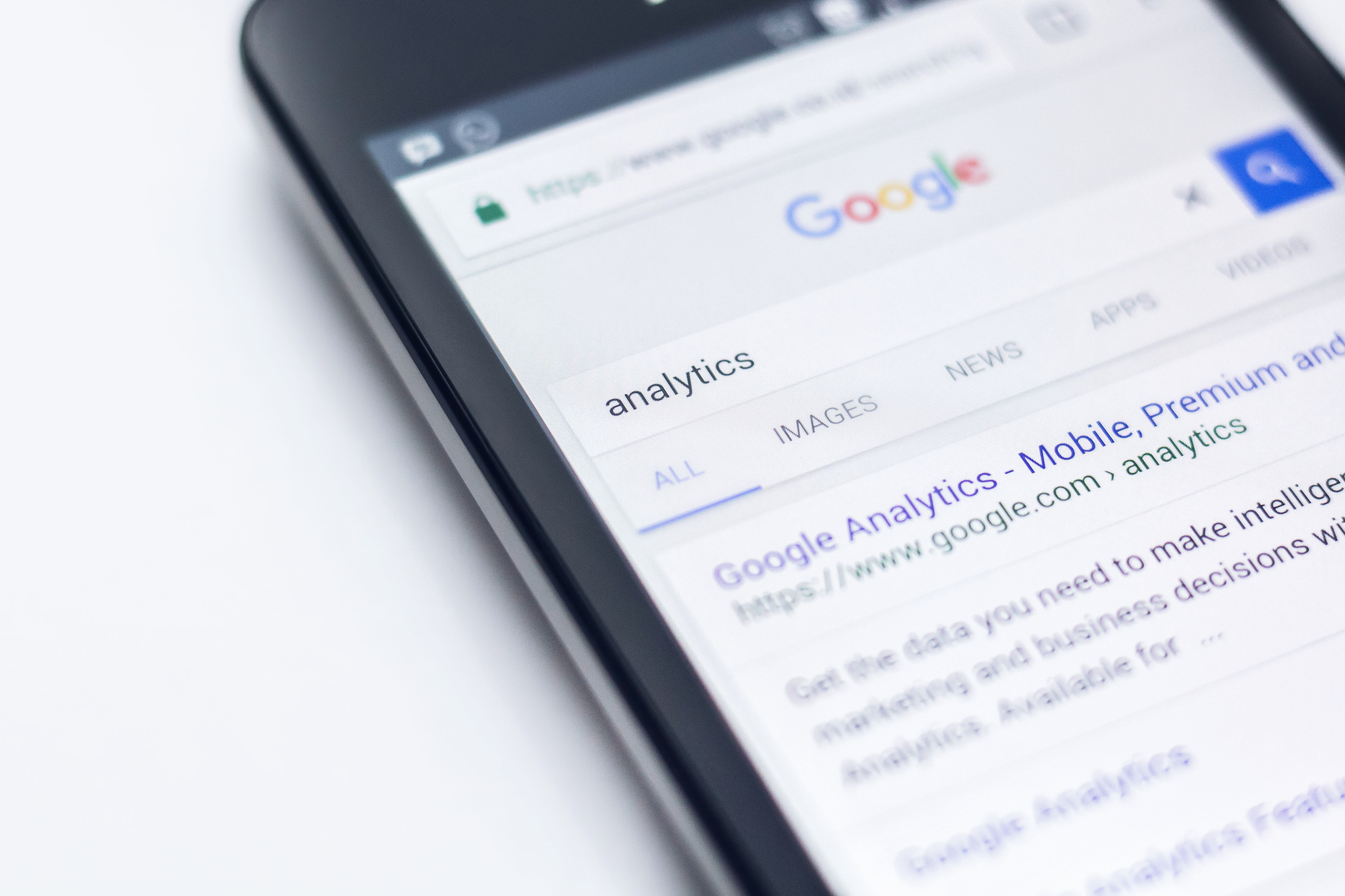 Paid Search on Mobile Phone